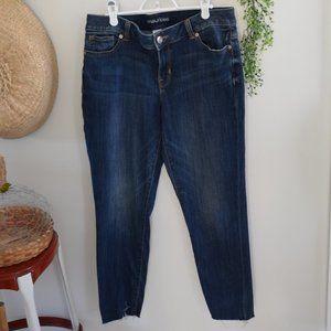 2/$20 Maurices Dark Wash Frayed Hem Jeans 11/12